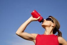 Comment s'hydrater lorsque l'on pratique une activité physique ?